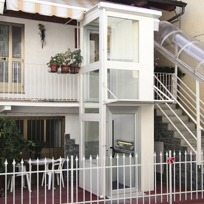 Indoor and outdoor residential lifts: models and prices